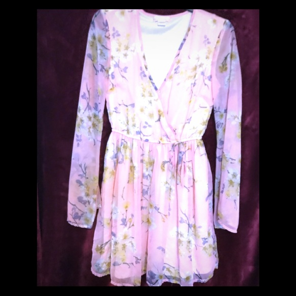 Band of Gypsies Dresses & Skirts - Romantic dress offering soft pastel floral print.
